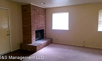 Bedroom, 158 NE 12th St, 1