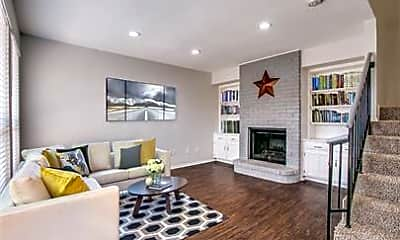 Living Room, 2813 Meadow Park Dr B, 0