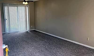 Living Room, 6720 W Par Ln, 1