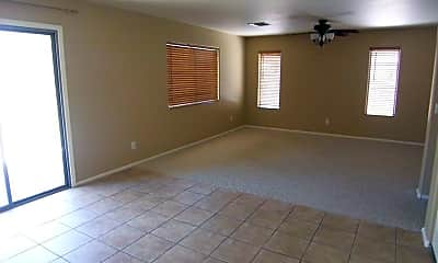 4691 E Torrey Pines Ln, 1