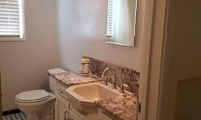Bathroom, 2631 17th St, 2