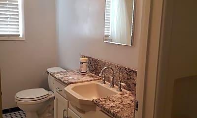 Bathroom, 2631 17th St, 2