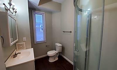 Bathroom, 425 N Martin Luther King Blvd, 2