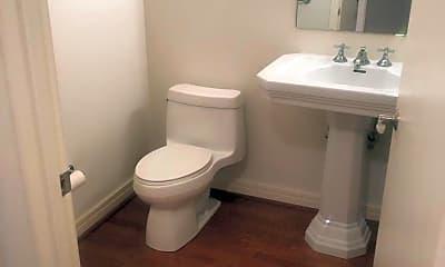 Bathroom, 190 Presidential Blvd 607, 2