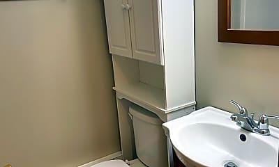 Bathroom, 690 W Judson St 6, 2