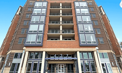 Building, 437 W Division St, 2