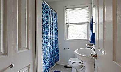 Bathroom, Oaktree Apartments, 2