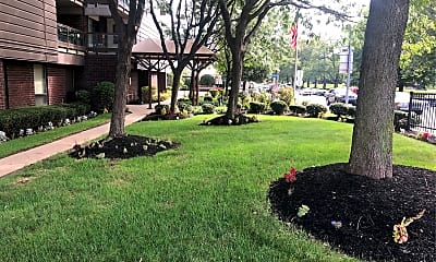 West Park Court Apartments, 2