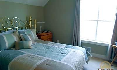 Bedroom, 4517 W Babcock St, 2