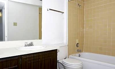 Bathroom, Royal Crest, 2