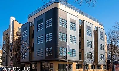 Building, 1111 Orren St NE, 1