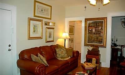 Living Room, 2006 Jackson St N 2, 1