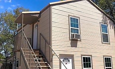 Building, 2111 Runnels St, 0