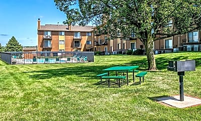 Fox Ridge Apartments, 2