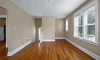 Living Room, 1248 Moorlands Dr, 1