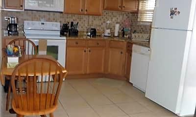 Kitchen, 7605 Ridgewood Ave 21, 1