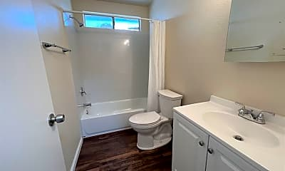 Bathroom, 3268 Blue Ridge Cir, 2