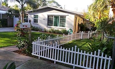 Patio / Deck, 833 Avon Rd 1, 2
