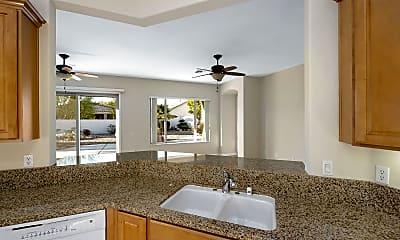 Living Room, 40959 Corte Los Corderos, 2