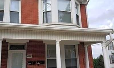 Building, 601 W Broadway, 0