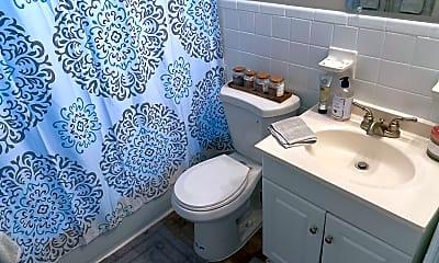 Bathroom, 807 College Ave, 2