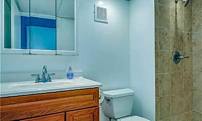 Bathroom, 8 Edelweiss Ln, 2