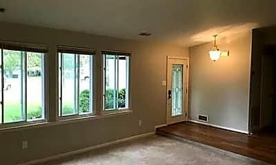 Living Room, 504 Alabama Dr, 2