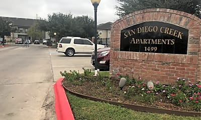 San Diego Creek Apartments, 1
