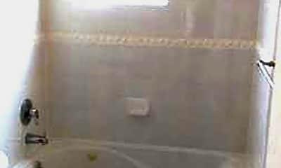 Bathroom, 483 Paiute Ln, 2