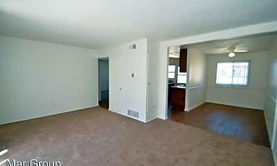 Living Room, 8501 Glenhaven St, 2
