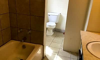 Bathroom, 2241 S 5th Pl, 1