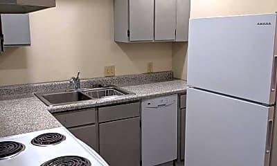 Kitchen, 639 S Lucas St, 1