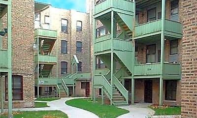 7000 North Sheridan Apartments, 1