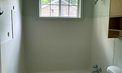 Bathroom, 14 Orlando Ave, 2