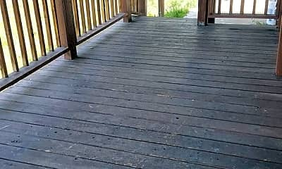 Patio / Deck, 401 Moxee Ave, 1