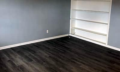 Living Room, 5140 Russet Dr, 1