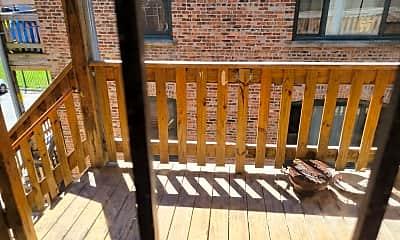 Patio / Deck, 301 E 50th St B, 2