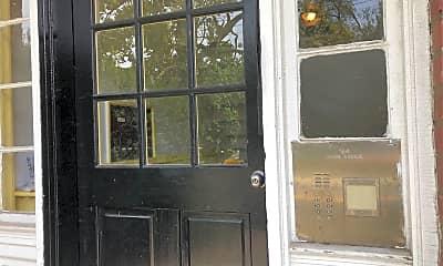 194 Union Ave, 1