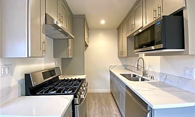 Kitchen, 2111 E Bermuda St 1, 0