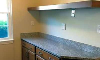 Kitchen, 708 Windsor Dr N, 2