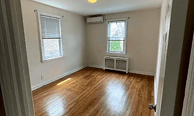 Living Room, 2313 Tenbroeck Ave, 2