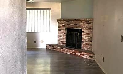 Living Room, 4717 Nan Ln, 2