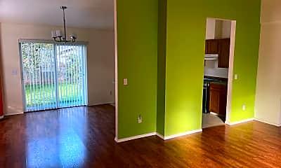Living Room, 359 NE Oleary St, 2