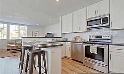 Kitchen, 6028 CA-1, 1