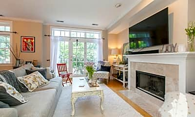 Living Room, 3131 N Seminary Ave, 1