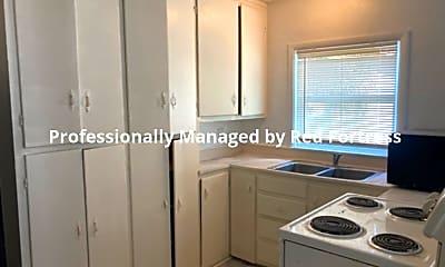 Kitchen, 3866 Desoto Ave, 1