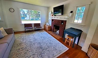 Living Room, 2103 E Mullan Ave, 2