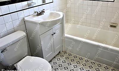 Bathroom, 1501 Main St, 2