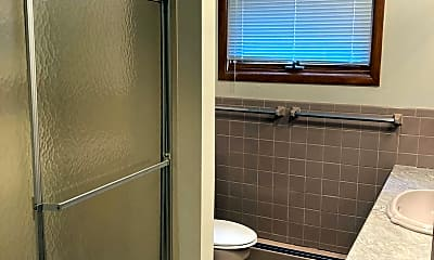 Bathroom, 5008 Ingersoll Ave, 1