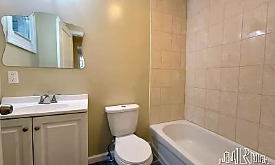 Bathroom, 384 21st St, 2